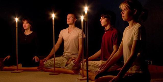 Yoga trị liệu: Thiền nến là một trong những cách giúp bạn giải tỏa căng thẳng - Ảnh 5.