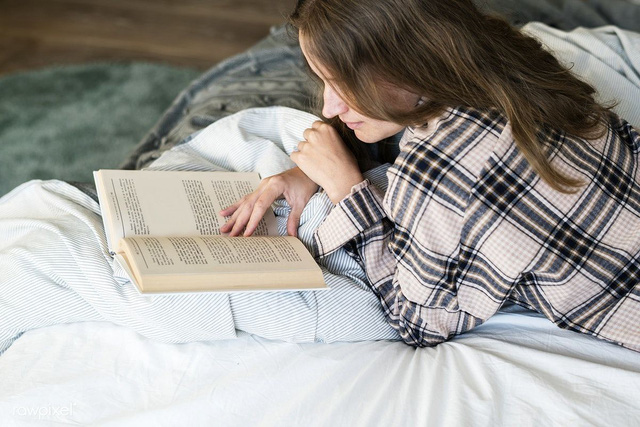 Hãy mua ngay một cuốn sách hay khi bạn nhìn thấy, bởi rất có thể bạn sẽ không có cơ hội nhìn thấy nó nữa - Ảnh 1.