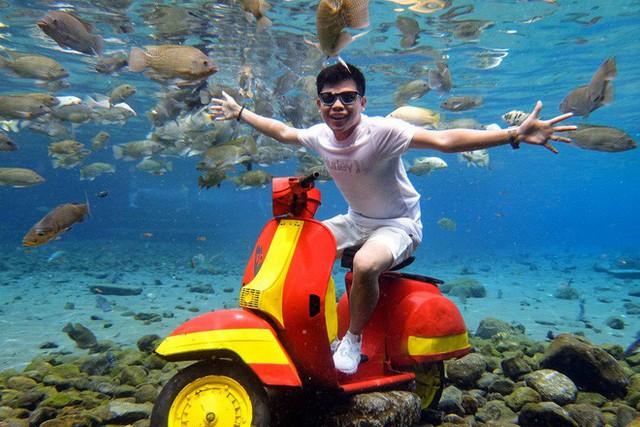 """những ngôi làng nghèo bậc nhất indonesia - photo 1 15650648819901186601221 - Dân du lịch Indonesia đổ xô đến """"sống ảo"""" dưới nước tại ngôi làng có một không hai này"""