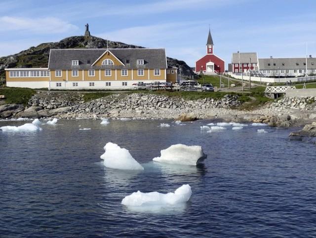Hơn 12 tỷ tấn băng bị tan chảy ở Greenland chỉ trong một ngày - Ảnh 2.