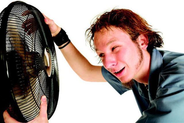 Giải ngố: Khi nào bật quạt còn khiến bạn thấy nóng hơn, tăng nguy cơ sốc nhiệt? - Ảnh 1.