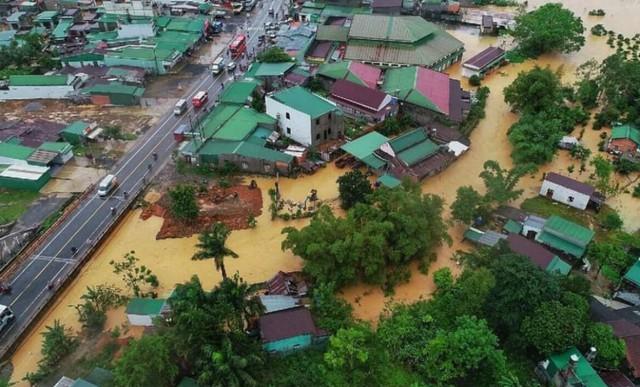 Mưa không ngừng nghỉ, phố núi Đà Lạt chìm sâu trong biển nước - Ảnh 7.