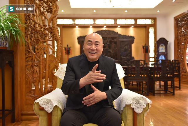 ĐỘC QUYỀN: Choáng ngợp tài sản khổng lồ và bảo tàng gỗ quý, lớn nhất Trung Quốc của Đường Tăng phim Tây Du Ký - Ảnh 2.