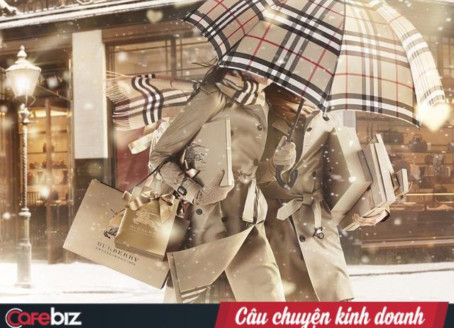 Chuyên gia truyền thông Lê Quốc Vinh: Người giàu không bao giờ thấy quảng cáo là hớt hải đi mua. Muốn bán hàng cho họ, hãy tìm một câu chuyện thú vị để chinh phục họ! - Ảnh 2.