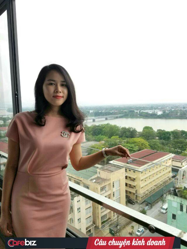 Kim Hằng - Nữ sáng lập xinh đẹp của startup YesHue: Từ cô gái bán rau muống đến bà chủ làm hũ gia vị bún bò chuẩn Huế, bán hàng trên cả Amazon và eBay - Ảnh 1.