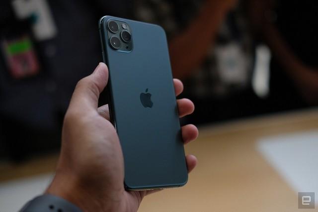 apple, iphone 11 - photo 4 1568185170553868478387 - So sánh iPhone 11 với các điện thoại Android cao cấp nhất