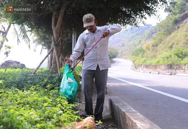Ông chú bán kem dễ thương nhất Đà Nẵng: 3 năm cặm cụi nhặt rác ở bán đảo Sơn Trà - Ảnh 4.