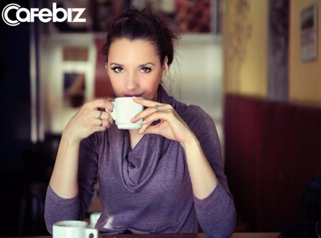 4 kiểu phụ nữ sẽ khiến đời bạn xuống dốc: 92% thành công của đàn ông do chọn vợ chuẩn xác  - Ảnh 2.