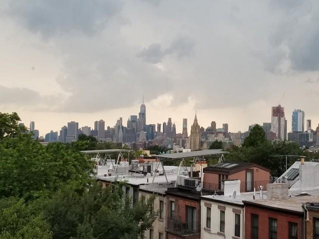 Một ngày của triệu phú tự thân tích lũy được 1,25 triệu USD trong 5 năm, nghỉ hưu năm 30 tuổi, thoải mái sống tại New York đắt đỏ - Ảnh 1.