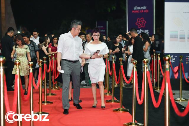 Nhiều doanh nhân, chuyên gia marketing… đổ bộ thảm đỏ ra mắt MXH Lotus - Ảnh 1.
