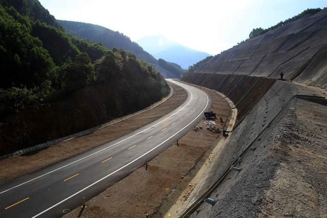Khởi công dự án cao tốc Bắc - Nam đầu tiên: Khẳng định tầm vóc quốc gia - Ảnh 1.