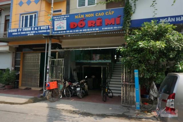 Bé 3 tuổi bị bỏ quên trên ô tô ở Bắc Ninh thoát chết nhờ cửa hé 10cm - Ảnh 2.