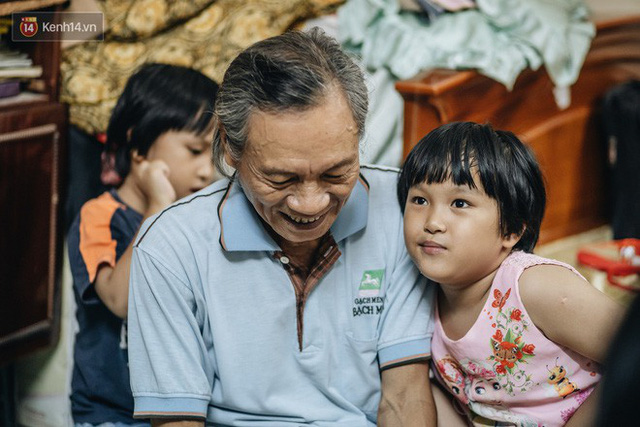 Chuyện nữ bác sĩ 53 tuổi sinh đôi 2 bé gái ở Hà Nội: Tôi có được con là tốt lắm rồi, không có chúng đời tôi còn khổ hơn nữa - Ảnh 11.