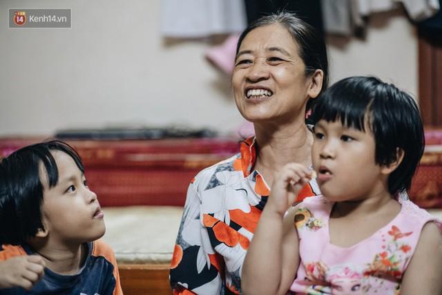 Chuyện nữ bác sĩ 53 tuổi sinh đôi 2 bé gái ở Hà Nội: Tôi có được con là tốt lắm rồi, không có chúng đời tôi còn khổ hơn nữa - Ảnh 12.