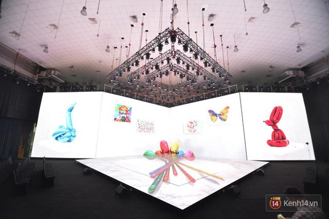 Lộ ảnh sân khấu ra mắt MXH Lotus trước giờ G: Màn hình khủng mãn nhãn, công nghệ hiệu ứng 3D hoành tráng - Ảnh 13.
