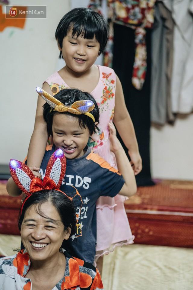 Chuyện nữ bác sĩ 53 tuổi sinh đôi 2 bé gái ở Hà Nội: Tôi có được con là tốt lắm rồi, không có chúng đời tôi còn khổ hơn nữa - Ảnh 3.