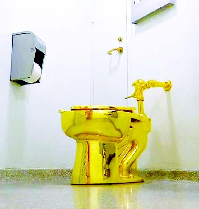 chiếc bồn cầu bằng vàng - photo 4 15686164281501724369868 - Bồn cầu bằng vàng trị giá 139 tỷ đồng bị đánh cắp