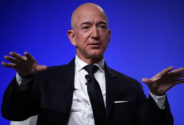 Cập nhật top 10 tỉ phú giàu nhất hành tinh: CEO Facebook lấy lại phong độ - Ảnh 1.