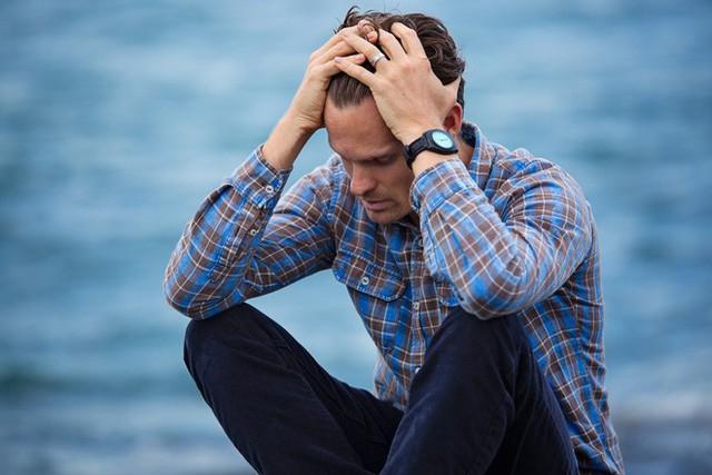 Đàn ông trầm cảm thường khó khăn hơn khi tìm hỗ trợ, nguyên nhân có thể bắt nguồn từ khi họ còn là một cậu bé - Ảnh 1.