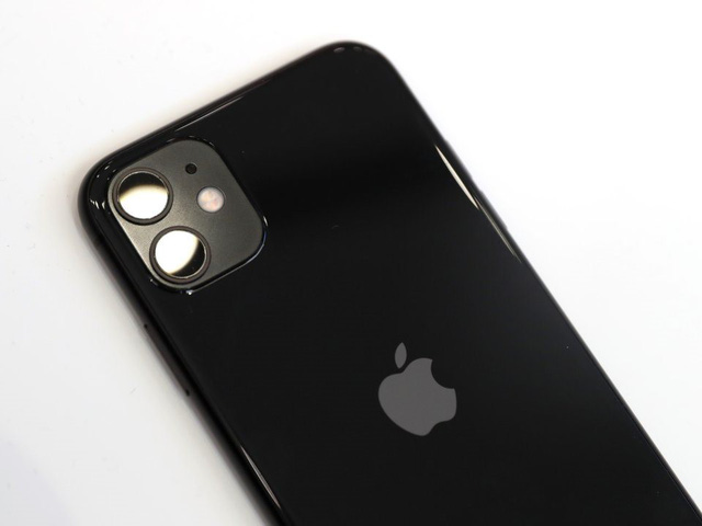 Đánh giá iPhone 11: Pin khỏe, camera đẹp, là lựa chọn chắc ăn hơn smartphone 5G hay màn hình gập - Ảnh 2.
