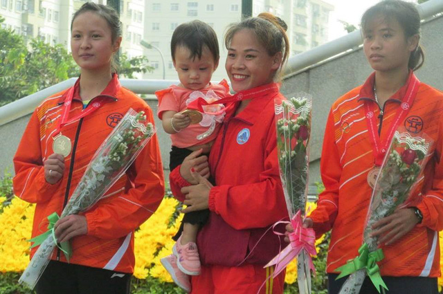 Bí kíp 7 tháng giảm 30kg, đi bộ nhanh hơn chạy của nữ hoàng đi bộ Việt Nam - Ảnh 2.