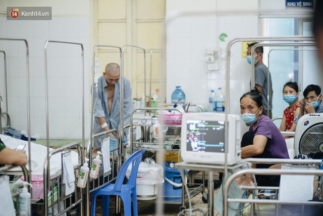 Bác sĩ cảnh báo tình trạng ô nhiễm không khí ở Hà Nội: Chúng ta đang quá lạm dụng khái niệm khẩu trang y tế - Ảnh 3.