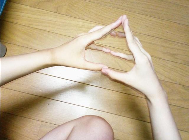 Cư dân mạng Nhật Bản nô nức tạo hình emoji đống phân bằng tay để chúc nhau may mắn - Ảnh 3.