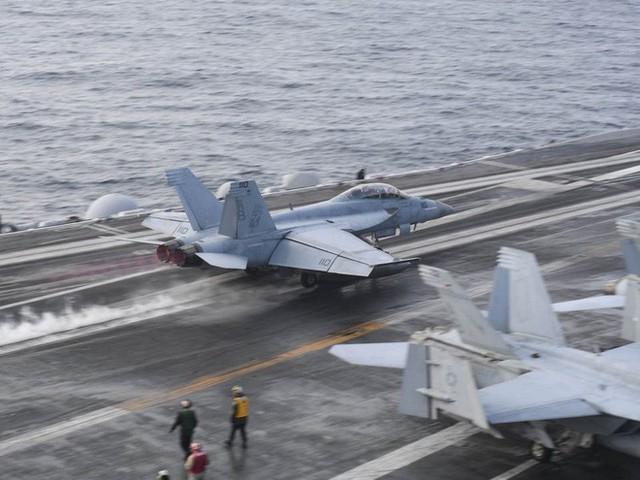Hải quân Mỹ: Video quay UFO bị rò rỉ là thật, xác nhận tiêm kích Mỹ đã chạm trán và truy đuổi đĩa bay - Ảnh 5.