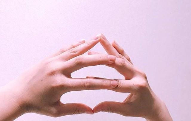 Cư dân mạng Nhật Bản nô nức tạo hình emoji đống phân bằng tay để chúc nhau may mắn - Ảnh 6.