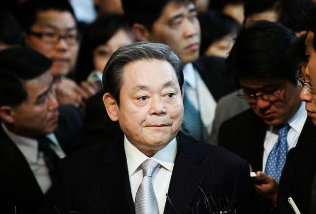 Top 10 tỉ phú giàu nhất Hàn Quốc: Thái tử Samsung đứng thứ mấy? - Ảnh 1.