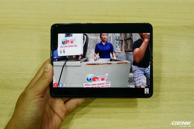 Quan tâm iPhone 11 làm gì, xem Galaxy Fold vừa mới về Việt Nam đây này! - Ảnh 14.