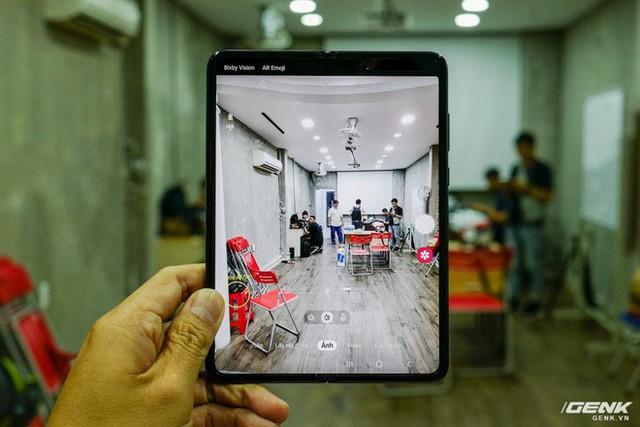 Quan tâm iPhone 11 làm gì, xem Galaxy Fold vừa mới về Việt Nam đây này! - Ảnh 15.
