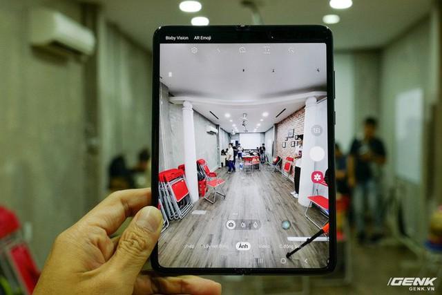 Quan tâm iPhone 11 làm gì, xem Galaxy Fold vừa mới về Việt Nam đây này! - Ảnh 16.