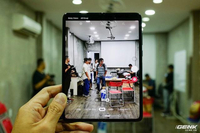Quan tâm iPhone 11 làm gì, xem Galaxy Fold vừa mới về Việt Nam đây này! - Ảnh 17.