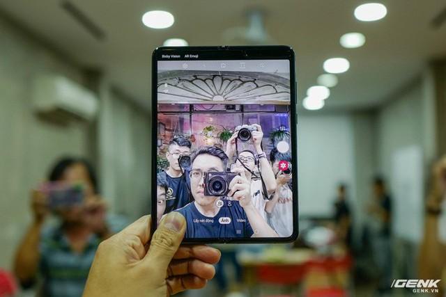 Quan tâm iPhone 11 làm gì, xem Galaxy Fold vừa mới về Việt Nam đây này! - Ảnh 18.