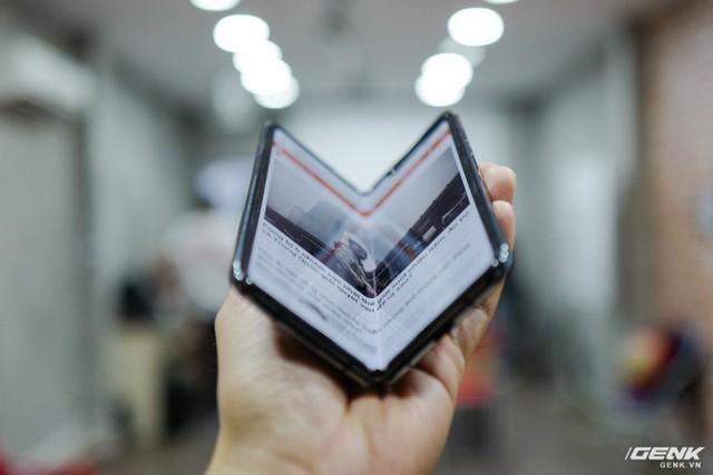 Quan tâm iPhone 11 làm gì, xem Galaxy Fold vừa mới về Việt Nam đây này! - Ảnh 19.