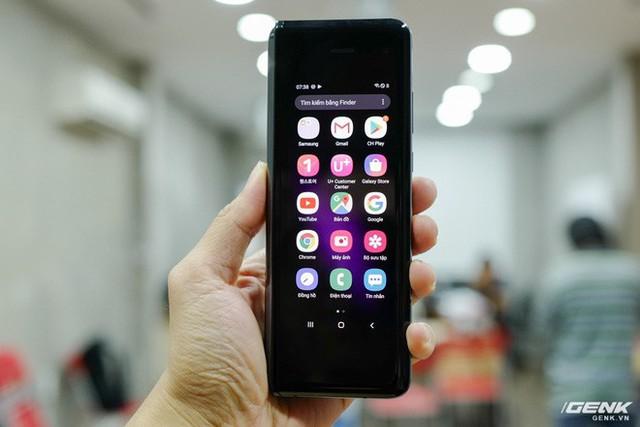 Quan tâm iPhone 11 làm gì, xem Galaxy Fold vừa mới về Việt Nam đây này! - Ảnh 3.