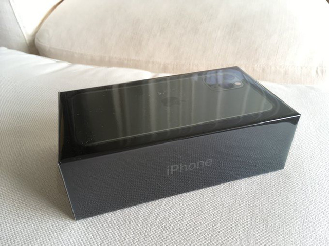 Những chiếc iPhone 11 đầu tiên đã được giao đến tay khách hàng - Ảnh 2.