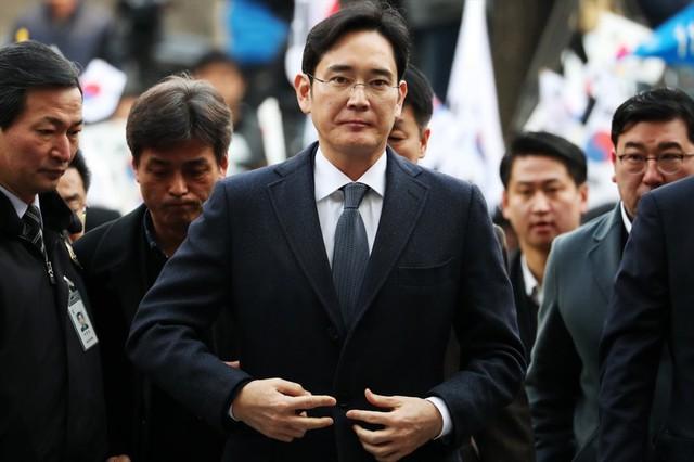 Top 10 tỉ phú giàu nhất Hàn Quốc: Thái tử Samsung đứng thứ mấy? - Ảnh 4.