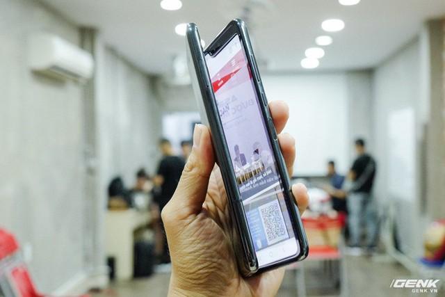 Quan tâm iPhone 11 làm gì, xem Galaxy Fold vừa mới về Việt Nam đây này! - Ảnh 9.