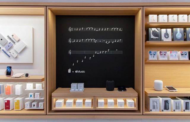 Bên trong Apple Store Fifth Avenue huyền thoại ngày mở cửa trở lại - Ảnh 3.