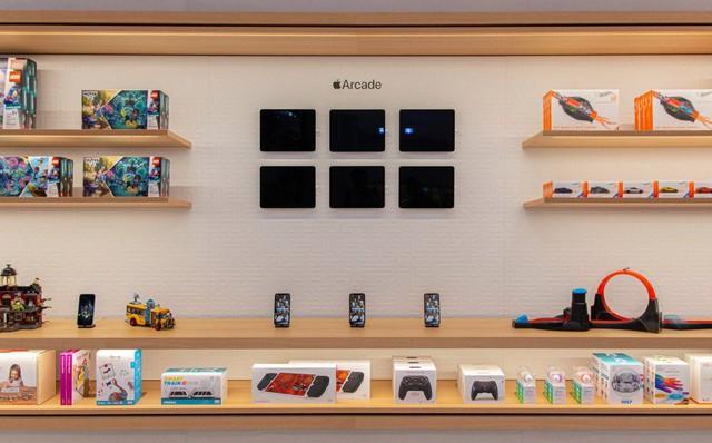 Bên trong Apple Store Fifth Avenue huyền thoại ngày mở cửa trở lại - Ảnh 5.