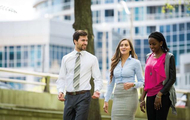 Cuộc sống thành thị ảnh hưởng đến sức khỏe và hạnh phúc của cư dân như thế nào? - Ảnh 1.