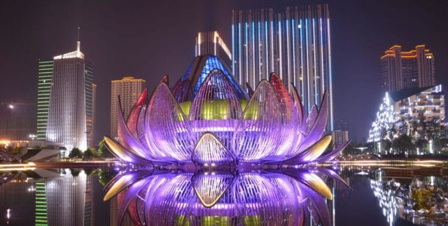 10 tòa nhà kiến trúc kỳ lạ nổi tiếng ở Trung Quốc - Ảnh 3.