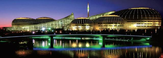 10 tòa nhà kiến trúc kỳ lạ nổi tiếng ở Trung Quốc - Ảnh 8.