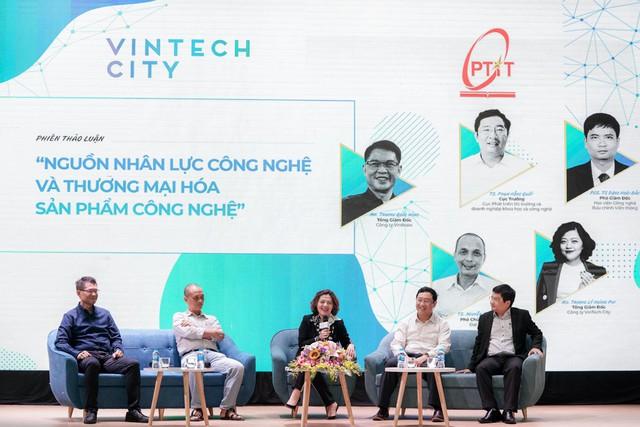 CEO VinTech City Trương Lý Hoàng Phi: Lãng phí tài năng, trí tuệ hay đánh mất cơ hội đưa một sản phẩm công nghệ hữu ích đến cộng đồng là loại rủi ro cao nhất và đáng tiếc nhất - Ảnh 1.