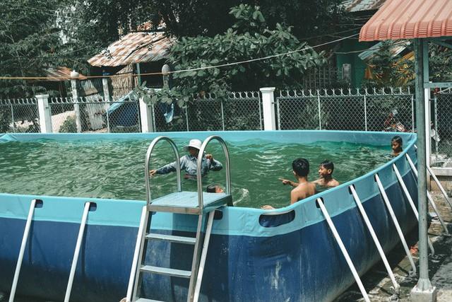 Bà Sáu Thia, người 17 năm dạy bơi miễn phí cho hàng ngàn trẻ em vùng sông nước - Ảnh 11.