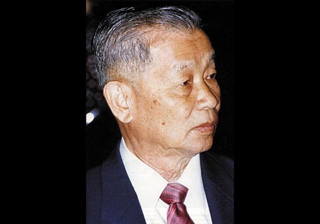 Gia tộc Red Bull: Ông nội từ tay trắng thành tỷ phú Thái Lan, cháu đích tôn sống xa xỉ, lái xe gây tai nạn chết người vẫn chưa đền tội - Ảnh 8.