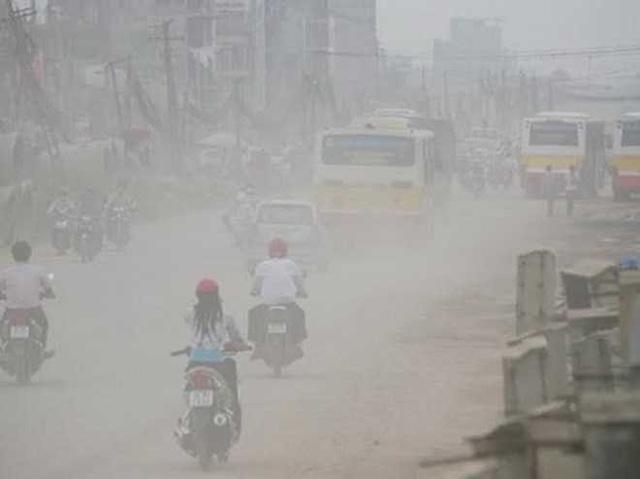 Tại sao buổi sáng, không khí ở Hà Nội thường ô nhiễm nặng? - Ảnh 1.