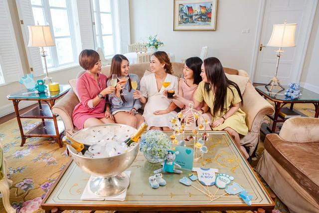 Bỏ hơn chục triệu làm tiệc mừng... vỡ chum, xu hướng mới của các chị em mà cả Shark Linh hay siêu mẫu Hà Anh cũng từng tổ chức linh đình - Ảnh 12.